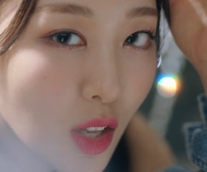 kpop, yves, and ptt image