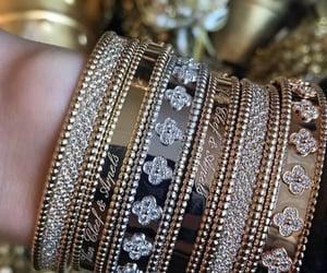 bracelet and van cleef & arpels image