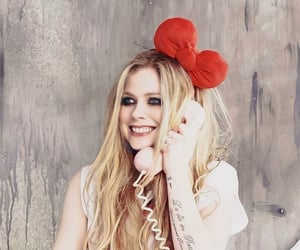 Avril Lavigne and hello kitty image