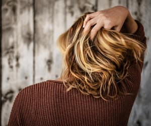 article, hair style, and short curly hair image