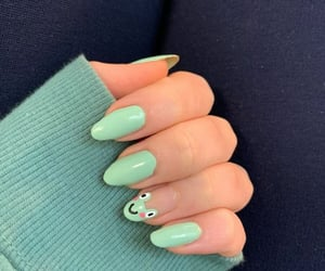 nails and frog image