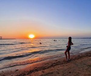 sea, закат, and солнце image