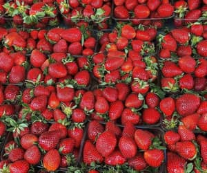 delicious, red, and strawberries image