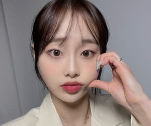 gg, kpop, and yves image
