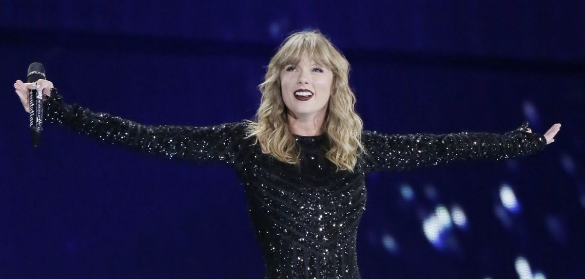 article, Taylor Swift, and idol challenge image