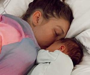 gigi hadid and baby image