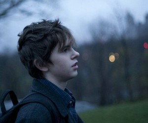 freddie highmore, boy, and the art of getting by image