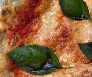 food, pizza, and yes image