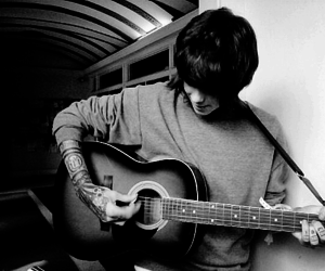 christofer drew, guitar, and nevershoutnever image