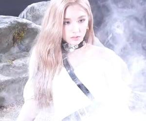 idol, kpop, and heejin image