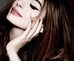 Anne Hathaway, makeup, and sexy image