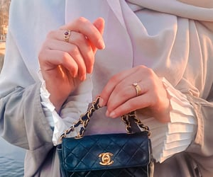 chanel, vintagebag, and modestfashion image