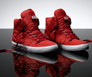supra and red image