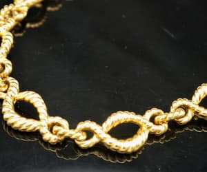 choker, vintage jewelry, and chunky gold chain image