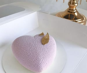cake, coeur, and dessert image