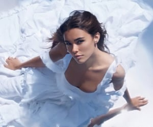 life support and madison beer image