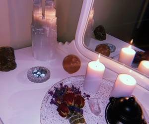 aesthetic, crystals, and tarot image