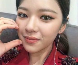 twice, kpop icons, and jeongyeon image