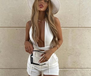 street style, summer, and white shorts image