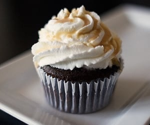 brownie, cream, and cake image