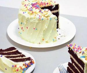 Chocolate cake with cream cheese