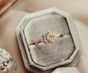 bague, bijoux, and Blanc image