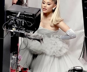 ariana at the grammy's in 2020