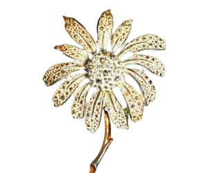 etsy, white daisy, and vintage brooch image