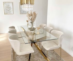 decor and table image