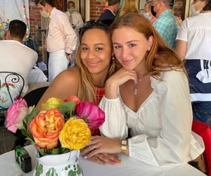chloe lukasiak and nia sioux image