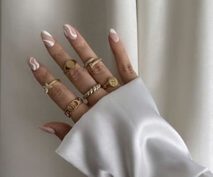 @style, @fashion, and @nails image