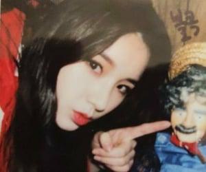aesthetic, bunny girl, and heejin image