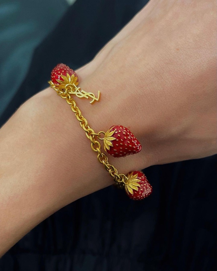 fashion, gold, and strawberry image