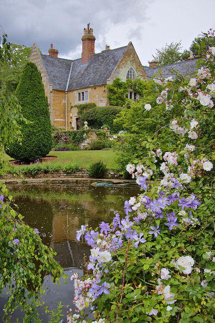 manor house image