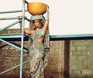water, beyonce knowles carter, and beyonce knowles image