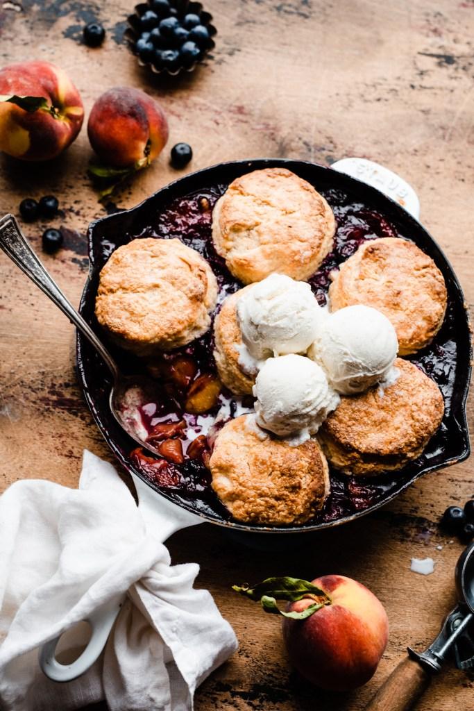 blueberry, cobbler, and dessert image