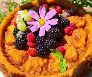 Lemon cake with blackberry and raspberry