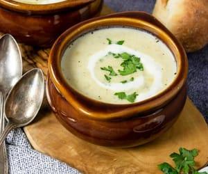Thick and Creamy Potato & Leek Soup
