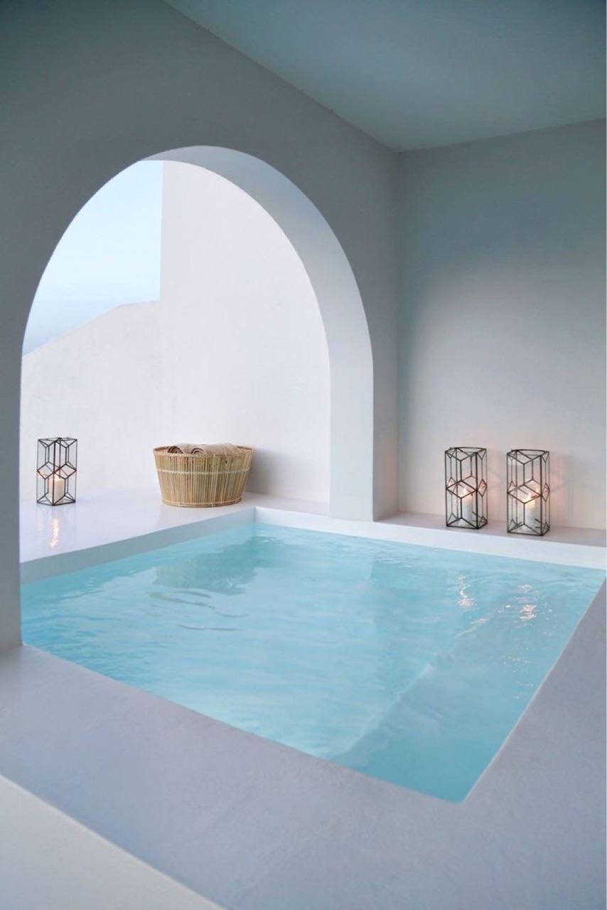 pool and santorini image