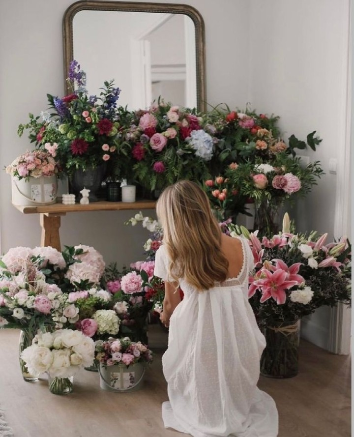 flowers, girls, and mirrors image