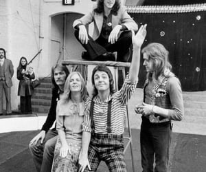 Paul McCartney and wings image