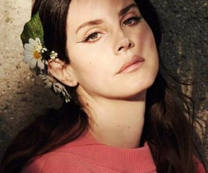 girl, roses, and ️lana del rey image