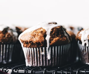 food, gingerbread, and muffin image