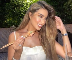 makeup and van cleef & arpels image