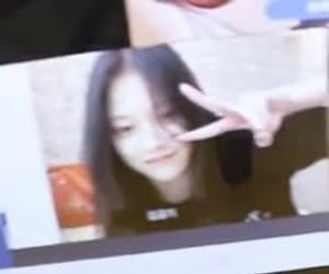 girl groups, hyunjin, and loona image