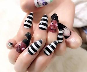 nail designs and nail paints image