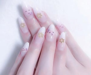 asthetic nail designs and asthetic na paints image