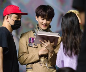 mark lee and superm image