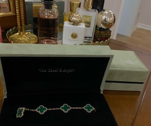 van cleef & arpels and luxury jewellery image