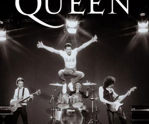 Queen, black and white, and music image